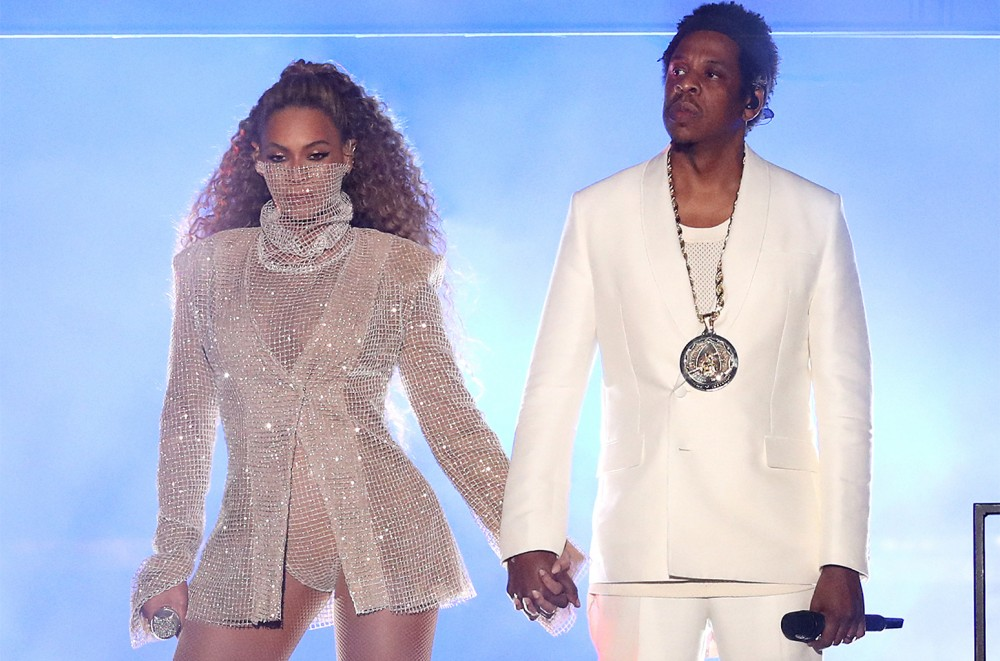 Do Beyoncé and JAY-Z Pose Nude in New On the Run II Tour